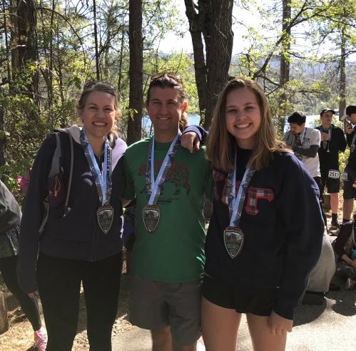 Yosemite Half Marathon 2018 finishers medals